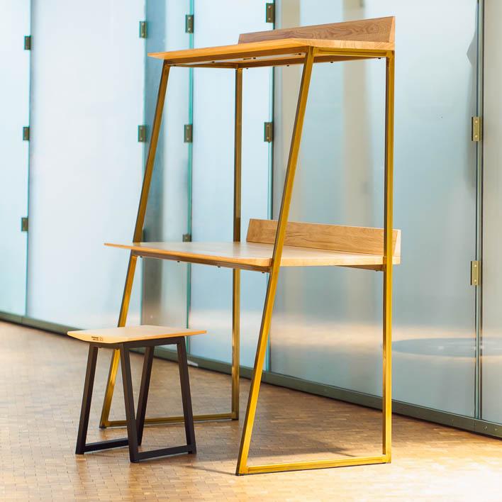 Schreibtisch Design aus Eiche, Massivholz, gefertigt in Deutschland