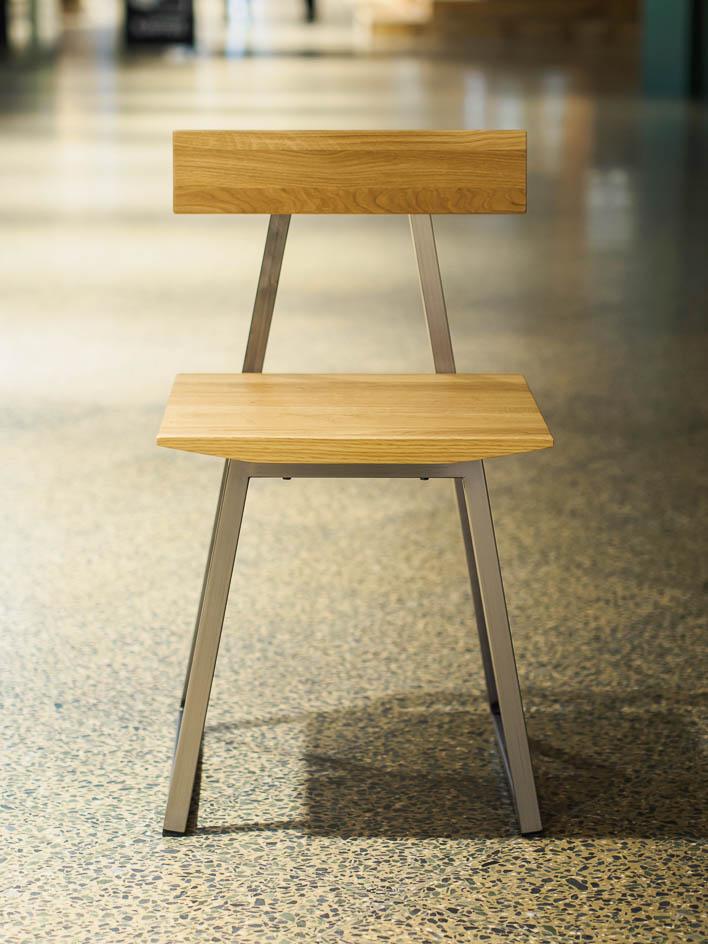 Stuhl Design aus Eiche, Massivholz, gefertigt in Deutschland